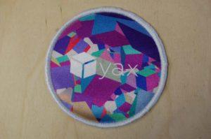 Naszywka-haftowana-dla-yax-interactive